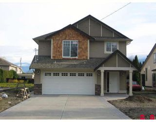 Photo 1: 9466 MENZIES Street in Chilliwack: Chilliwack E Young-Yale House for sale : MLS®# H2805342