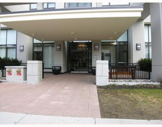 """Photo 8: 701 7088 SALISBURY Avenue in Burnaby: Highgate Condo for sale in """"THE WEST"""" (Burnaby South)  : MLS®# V753163"""