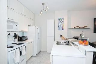 Photo 2: 05 111 Merton Street in Toronto: Condo for sale : MLS®# C1570988