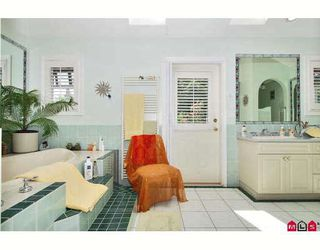 "Photo 7: 2733 MCKENZIE Avenue in Surrey: Crescent Bch Ocean Pk. House for sale in ""CRESCENT BEACH VILLAGE"" (South Surrey White Rock)  : MLS®# F2913788"