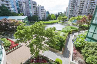 """Photo 17: 305 1199 EASTWOOD Street in Coquitlam: North Coquitlam Condo for sale in """"THE SELKIRK"""" : MLS®# R2390050"""