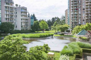 """Photo 18: 305 1199 EASTWOOD Street in Coquitlam: North Coquitlam Condo for sale in """"THE SELKIRK"""" : MLS®# R2390050"""