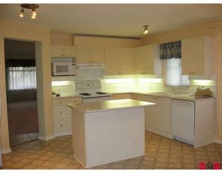 Photo 5: 15 8555 209TH Street: Walnut Grove Home for sale ()  : MLS®# F2727663