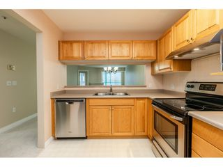 "Photo 7: 205 1569 EVERALL Street: White Rock Condo for sale in ""SEAWYND MANOR"" (South Surrey White Rock)  : MLS®# R2413623"