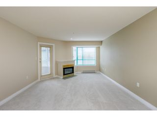 "Photo 4: 205 1569 EVERALL Street: White Rock Condo for sale in ""SEAWYND MANOR"" (South Surrey White Rock)  : MLS®# R2413623"