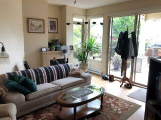 "Photo 3: 113 5160 DAVIS BAY Road in Sechelt: Sechelt District Condo for sale in ""THE WEST"" (Sunshine Coast)  : MLS®# R2421160"