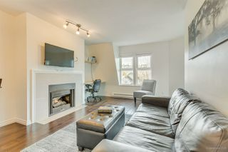 "Photo 4: 309 98 LAVAL Street in Coquitlam: Maillardville Condo for sale in ""LE CHATEAU II"" : MLS®# R2449582"