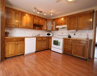 Photo 5: 55 FALDALE Close NE in CALGARY: Falconridge Residential Detached Single Family for sale (Calgary)  : MLS®# C3394530