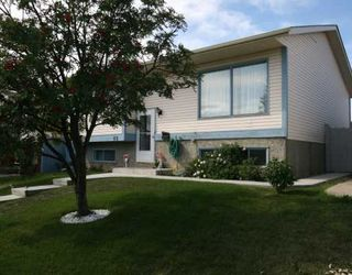 Photo 2: 55 FALDALE Close NE in CALGARY: Falconridge Residential Detached Single Family for sale (Calgary)  : MLS®# C3394530