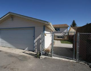 Photo 20: 55 FALDALE Close NE in CALGARY: Falconridge Residential Detached Single Family for sale (Calgary)  : MLS®# C3394530