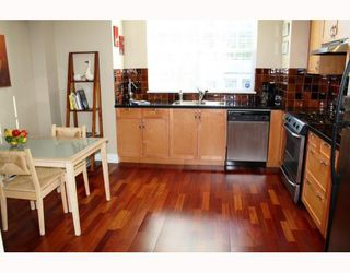 "Photo 2: 852 W 15TH Avenue in Vancouver: Fairview VW Townhouse for sale in ""REDBRICKS"" (Vancouver West)  : MLS®# V790178"