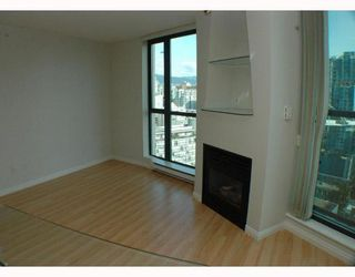 Photo 4: 2308 501 PACIFIC Street in Vancouver: Downtown VW Condo for sale (Vancouver West)  : MLS®# V810205