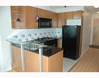 Photo 3: 2308 501 PACIFIC Street in Vancouver: Downtown VW Condo for sale (Vancouver West)  : MLS®# V810205