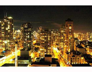 Photo 2: 2308 501 PACIFIC Street in Vancouver: Downtown VW Condo for sale (Vancouver West)  : MLS®# V810205