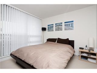 """Photo 5: 1204 1 RENAISSANCE Square in New Westminster: Quay Condo for sale in """"THE Q"""" : MLS®# V867998"""