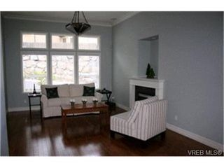 Photo 2:  in VICTORIA: La Thetis Heights Single Family Detached for sale (Langford)  : MLS®# 423907