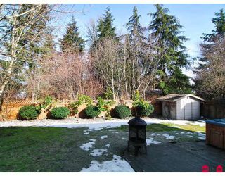 "Photo 10: 20325 93RD Avenue in Langley: Walnut Grove House for sale in ""FOREST GLEN"" : MLS®# F2902844"
