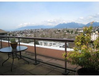 Photo 9: PH2 2041 BELLWOOD Avenue in Burnaby: Brentwood Park Condo for sale (Burnaby North)  : MLS®# V760252