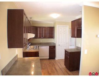 """Photo 2: 187 3665 244TH Street in Langley: Otter District Manufactured Home for sale in """"LANGLEY GROVE ESTATES"""" : MLS®# F2908625"""