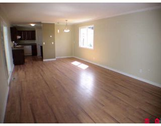 """Photo 3: 187 3665 244TH Street in Langley: Otter District Manufactured Home for sale in """"LANGLEY GROVE ESTATES"""" : MLS®# F2908625"""