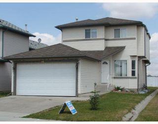 Photo 1: 135 APPLEGLEN Park SE in CALGARY: Applewood Residential Detached Single Family for sale (Calgary)  : MLS®# C3386324