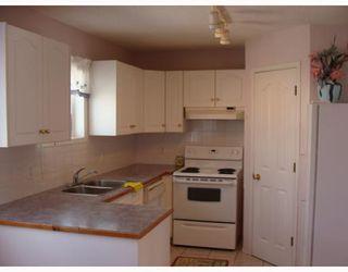 Photo 6: 135 APPLEGLEN Park SE in CALGARY: Applewood Residential Detached Single Family for sale (Calgary)  : MLS®# C3386324