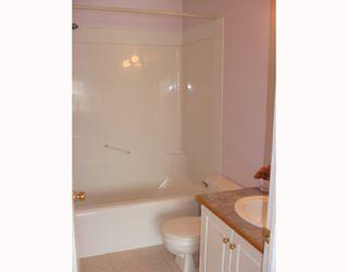 Photo 13: 135 APPLEGLEN Park SE in CALGARY: Applewood Residential Detached Single Family for sale (Calgary)  : MLS®# C3386324