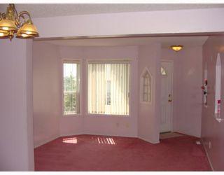 Photo 3: 135 APPLEGLEN Park SE in CALGARY: Applewood Residential Detached Single Family for sale (Calgary)  : MLS®# C3386324