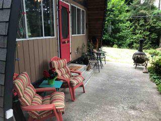 Photo 8: 5963 SKOOKUMCHUK Road in Sechelt: Sechelt District House for sale (Sunshine Coast)  : MLS®# R2393239