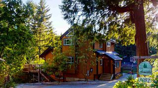 Photo 1: 8057 COOPER Road in Halfmoon Bay: Halfmn Bay Secret Cv Redroofs House for sale (Sunshine Coast)  : MLS®# R2469742
