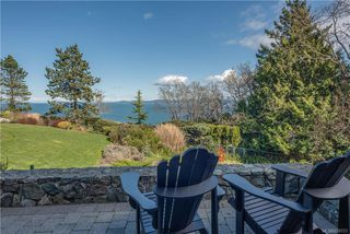 Photo 3: 4403 Shore Way in Saanich: SE Gordon Head House for sale (Saanich East)  : MLS®# 839723