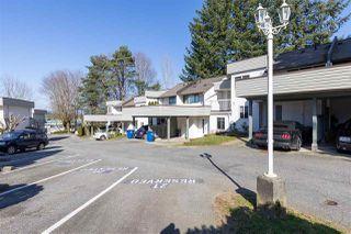 "Photo 2: 37 2830 W BOURQUIN Crescent in Abbotsford: Central Abbotsford Townhouse for sale in ""ABBOTSFORD COURT"" : MLS®# R2483050"