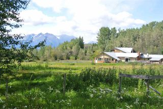 Photo 3: 15725 BABINE LAKE Road in Smithers: Smithers - Rural House for sale (Smithers And Area (Zone 54))  : MLS®# R2493745