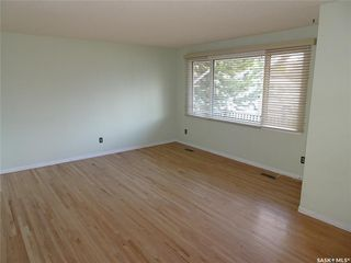Photo 7: 218 McIntosh Street North in Regina: Normanview Residential for sale : MLS®# SK831173