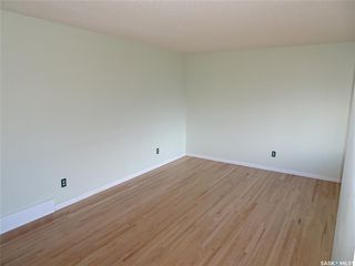 Photo 8: 218 McIntosh Street North in Regina: Normanview Residential for sale : MLS®# SK831173