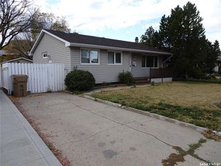 Photo 2: 218 McIntosh Street North in Regina: Normanview Residential for sale : MLS®# SK831173
