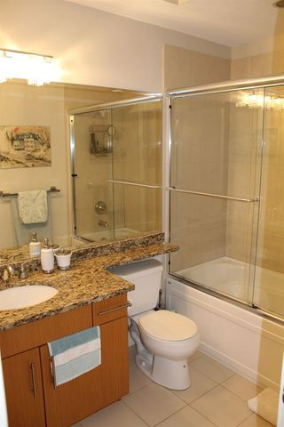 """Photo 17: 109 16477 64 Avenue in Surrey: Cloverdale BC Condo for sale in """"St. Andrews"""" (Cloverdale)  : MLS®# R2526861"""