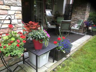 """Photo 2: 109 16477 64 Avenue in Surrey: Cloverdale BC Condo for sale in """"St. Andrews"""" (Cloverdale)  : MLS®# R2526861"""