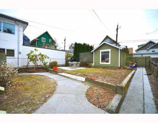 "Photo 10: 2056 E 3RD Avenue in Vancouver: Grandview VE House for sale in ""COMMERCIAL DRIVE"" (Vancouver East)  : MLS®# V799384"