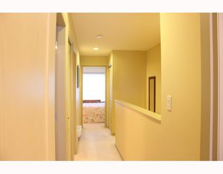 "Photo 10: 13 8080 BENNETT Road in Richmond: Brighouse South Townhouse for sale in ""CANABERRA COURT"" : MLS®# V801200"