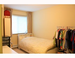 "Photo 7: 13 8080 BENNETT Road in Richmond: Brighouse South Townhouse for sale in ""CANABERRA COURT"" : MLS®# V801200"