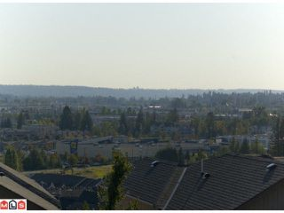 "Photo 8: 13 20326 68TH Avenue in Langley: Willoughby Heights Townhouse for sale in ""SUNPOINTE"" : MLS®# F1007498"