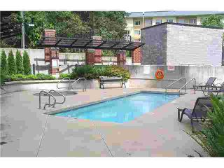"""Photo 10: 305 11 E ROYAL Avenue in New Westminster: Fraserview NW Condo for sale in """"VICTORIA HILL HIGH RISES"""" : MLS®# V837108"""