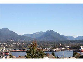 "Photo 2: 2872 TRINITY Street in Vancouver: Hastings East House for sale in ""HASTINGS EAST"" (Vancouver East)  : MLS®# V853763"
