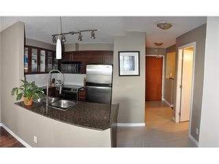 "Photo 3: 1107 833 AGNES Street in New Westminster: Downtown NW Condo for sale in ""THE NEWS"" : MLS®# V855240"