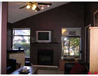 """Photo 5: 6227 W GREENSIDE DR in Surrey: Clayton Townhouse for sale in """"GREENSIDE ESTATES"""" (Cloverdale)  : MLS®# F2620517"""