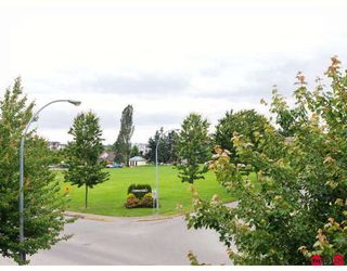 """Photo 10: 202 5568 201A Street in Langley: Langley City Condo for sale in """"Michaud Gardens"""" : MLS®# F2819276"""