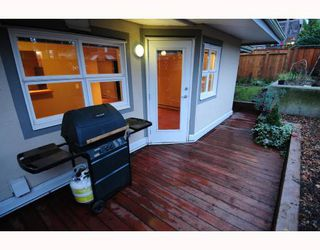 "Photo 2: 105 1515 E 6TH Avenue in Vancouver: Grandview VE Condo for sale in ""WOODLAND TERRACE"" (Vancouver East)  : MLS®# V745517"