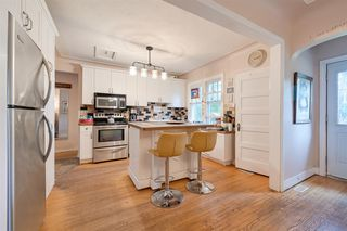 Photo 9: 9906 87 Street in Edmonton: Zone 13 House for sale : MLS®# E4166864
