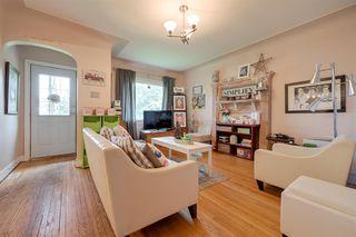 Photo 4: 9906 87 Street in Edmonton: Zone 13 House for sale : MLS®# E4166864